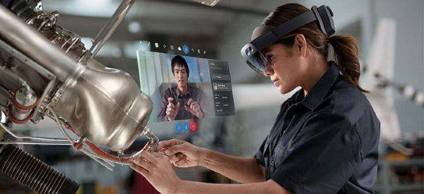 HoloLens2 Headsets Help Healthcare Workers Limit COVID-19 Exposure
